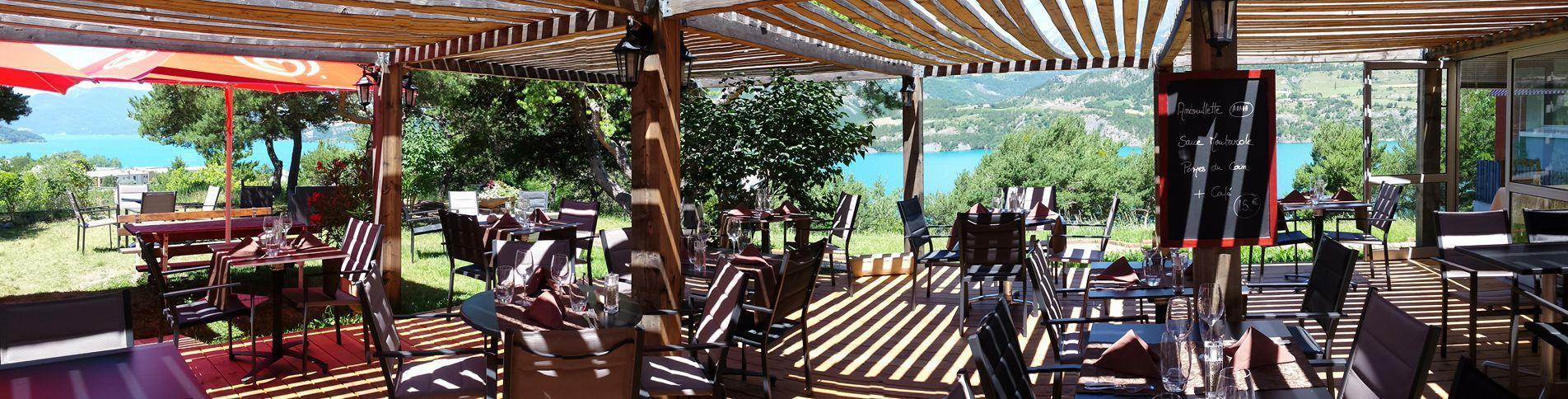 Logis Hôtel ** Eden Lac Nouvelle Terrasse