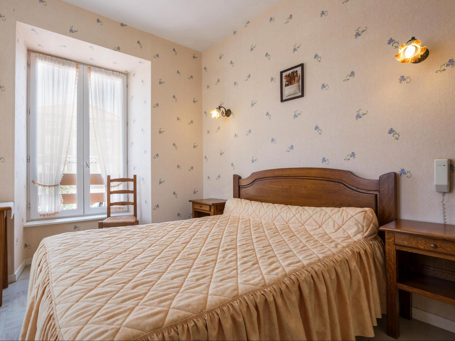 DOUBLE ROOM 2 PERSONS