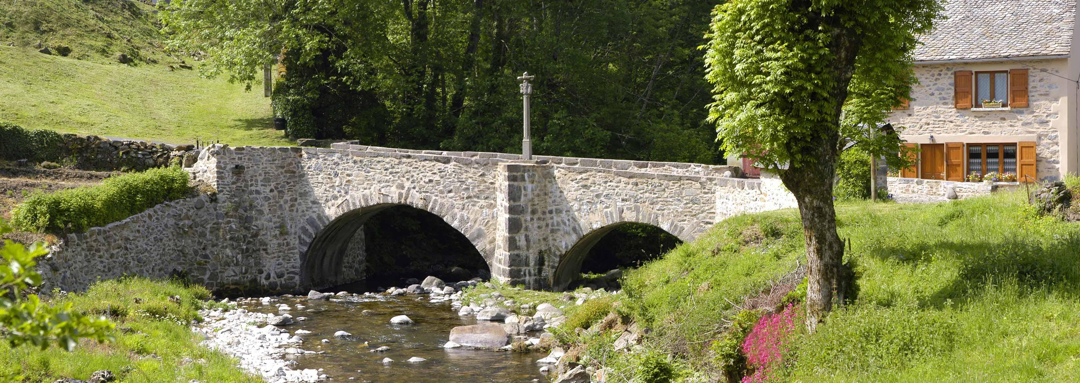 Le pont des pèlerins, classé au patrimoine mondial de l'UNESCO