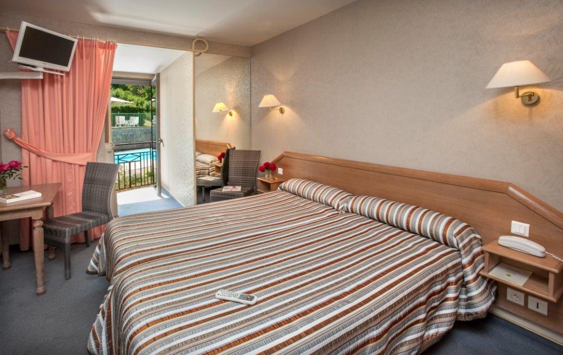Chambre twin Confort, lits jumeaux 90 x 190 au deuxième étage côté piscine