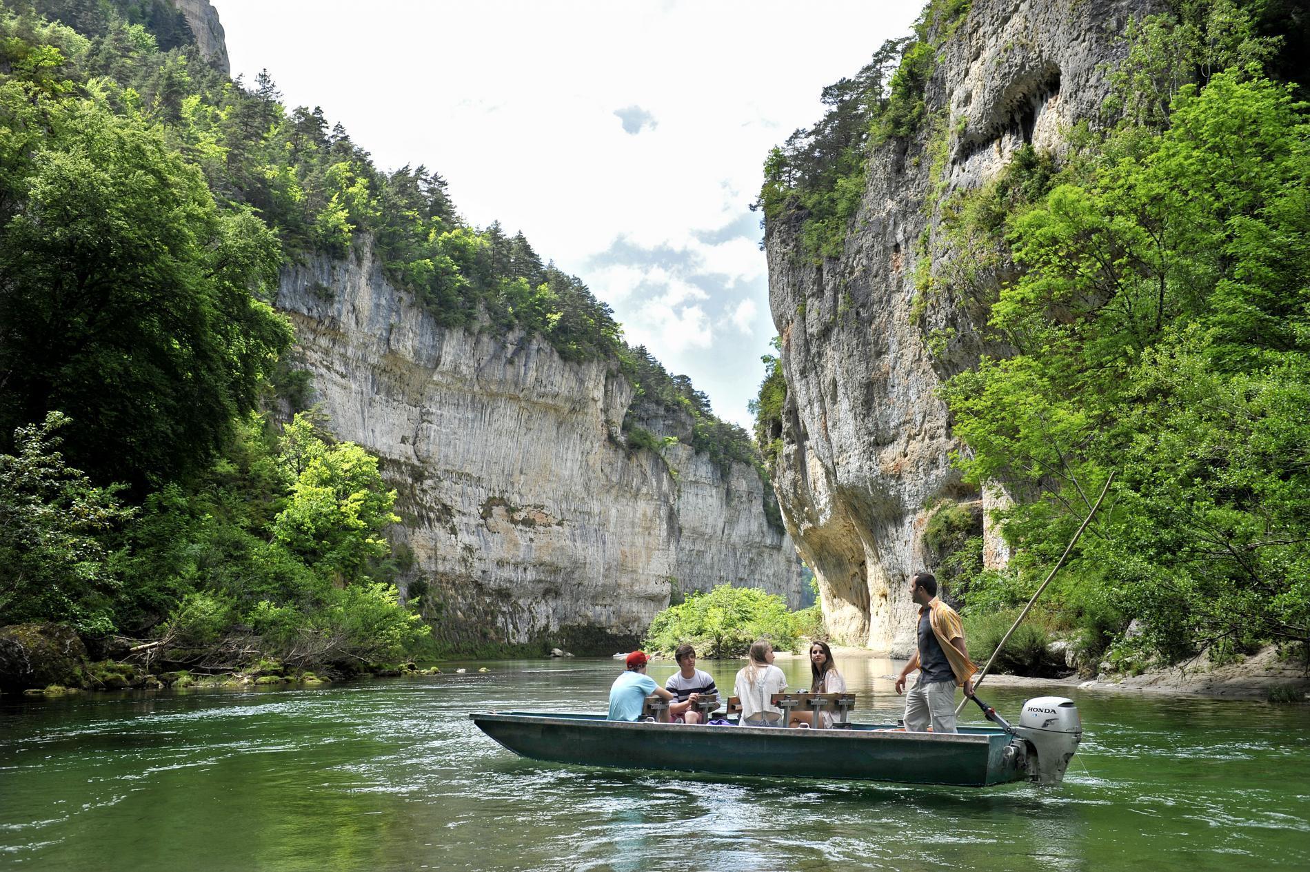 Une promenade en barque dans les Gorges du Tarn