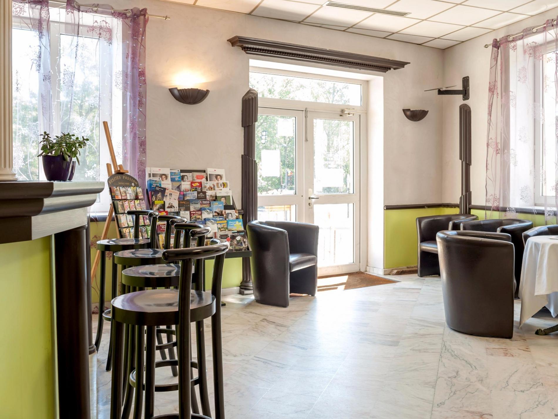 Logis Hôtel Collonges / Lyon