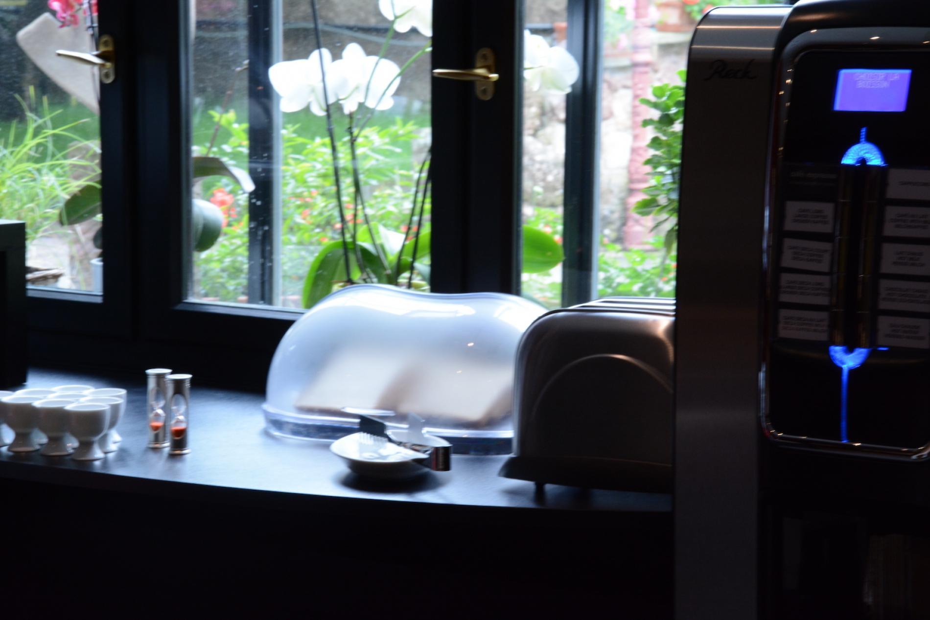 Bienvenue à l'Hôtel du Centre à Molsheim<br> Buffet varié avec produits bio et locaux