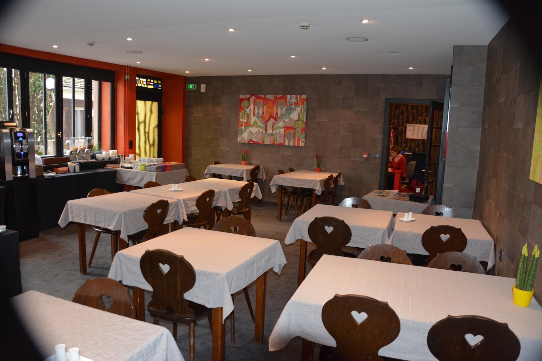 Hôtel du Centre, Logis Cosy à Molsheim<br> La salle du petit-déjeuner